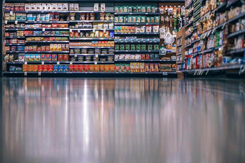 zdjęcie przedstawiające wnętrze marketu